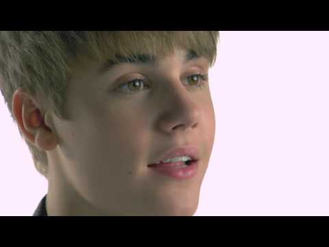 Justin Bieber Warns Against Texting And Driving