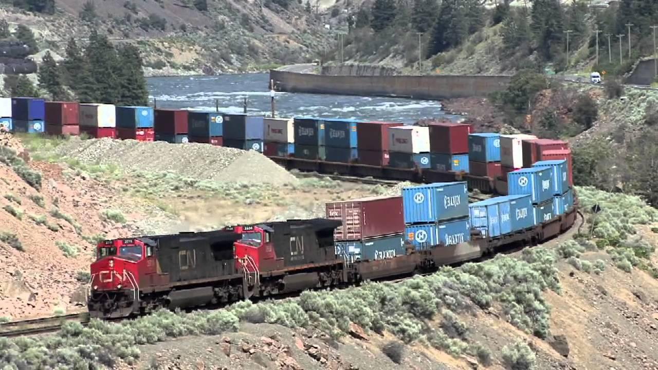 Kereta & Rel di Kanada. Ini baru yang namanya kereta api.. bener-bener Wow!