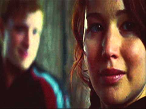Peeta and Katniss - Kiss The Girl