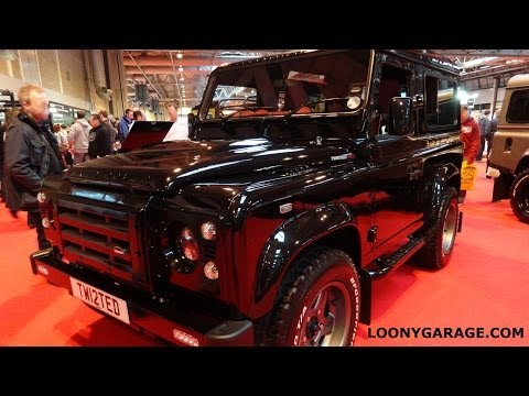 Land Rover Defender Twisted Red