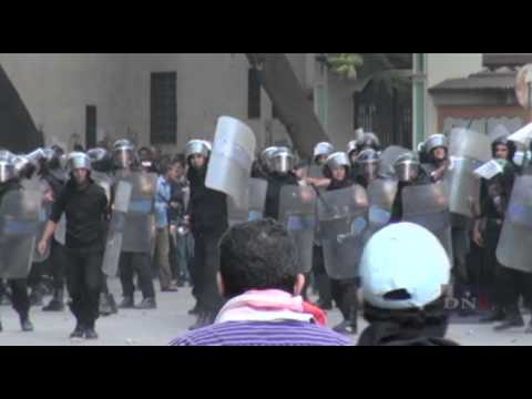 RAW: Protesters Clash with Riot Police in Tahrir
