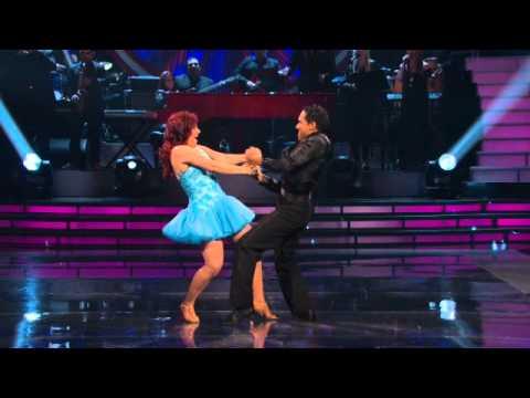 Diana Reyes en la pista de Mira Quién Baila