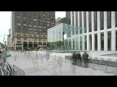 Apple Store Fifth Avenue: 24 hour timelapse