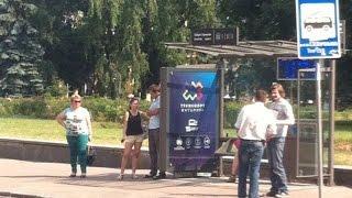 В Житомире затягивают установку современных павильонов на остановках