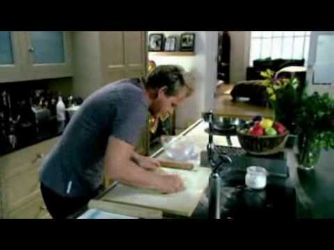 Gordon Ramsay - How to roll shortcrust pastry