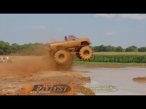 MuddFreak 4x4 Mud Bogging The FARM Mega truck mud bog big bend boggers