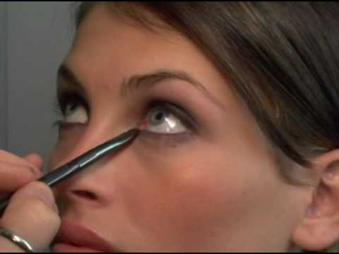 Beau Nelson-s Essential Make-Up Tips: Easy Smokey Eyes