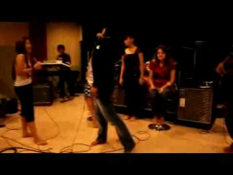 Pemuja Cinta (Feat. Seruni Bahar)