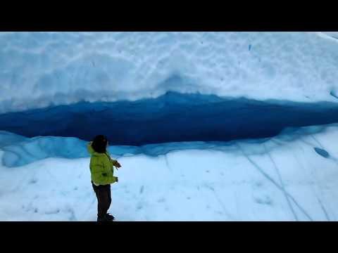 パタゴニアの氷の上をアイストレッキング~♪
