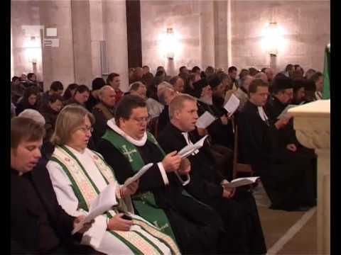 Um pequeno número de cristãos unidos em Cristo