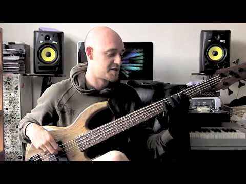 Walking bass Lesson Pt1 (CRASH COURSE!) with Scott Devine