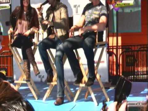 Jencarlos Canela, Gaby Espino y Miguel Varoni en Universal City Walk Part 3 - Hollywood CA
