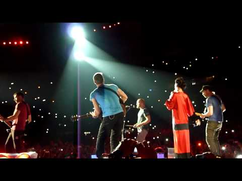 Coldplay ft. Rihanna Live Princess Of China @ Paris Stade de France (02/09/2012)