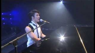Wang Lee Hom - Ni Bu Zai 你不在 + Wei Yi 唯一 at Music Man Concert DVD