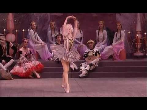 Tchaikowsky - Nutcracker Ballet: Dance of the Mirlitons - Kirov Ballet