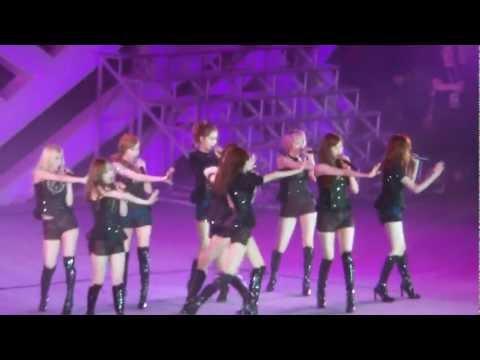 [Fancam] 121125 SNSD - Genie @ SMTOWN live in Bangkok