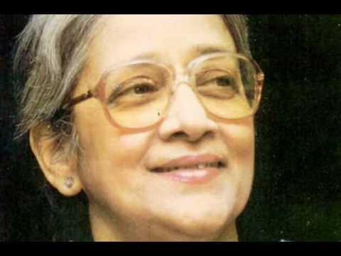 A tribute to Suchitra Mitra - Amar Raat Pohalo Rabindra Sangeet  with English Translation