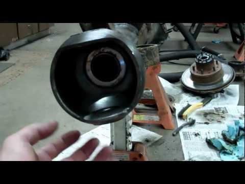Toyota 4x4 solid front axle How to remove and replace the inner axle seals Fix knuckle leaks