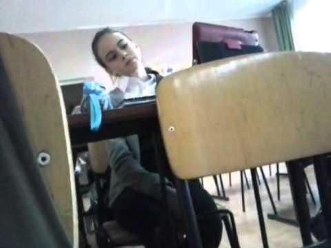 Студентка на лекции дрочит парню — photo 5
