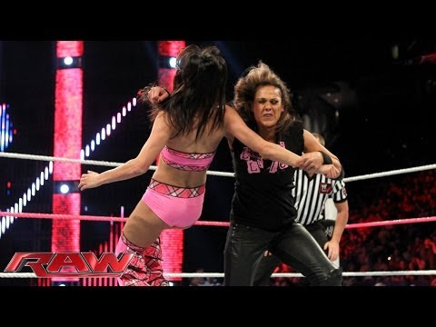 Brie Bella vs. Tamina Snuka: Raw, Oct. 14, 2013
