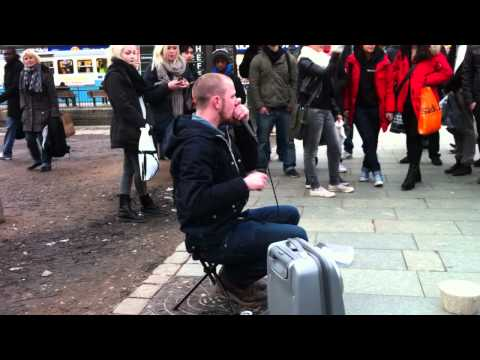 Dave Crowe Beatbox in Sweden Gothenburg Streets Part 1