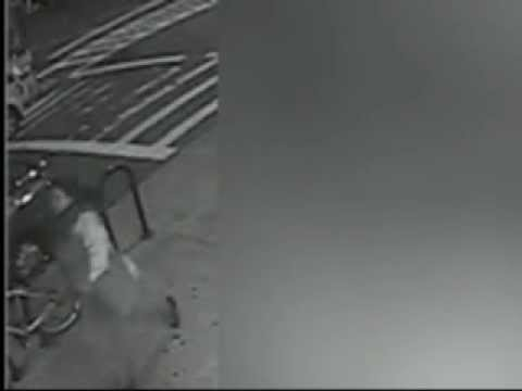 Surveillance video: suspect in Queens subway push death