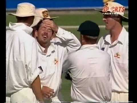 RICKY PONTING - GREAT ALL ROUNDER- so many wickets