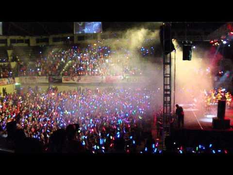 Overture + Heavy Rotation JKT48 GOR UNY ! EDF 2013 ! Lautan Lightstick !
