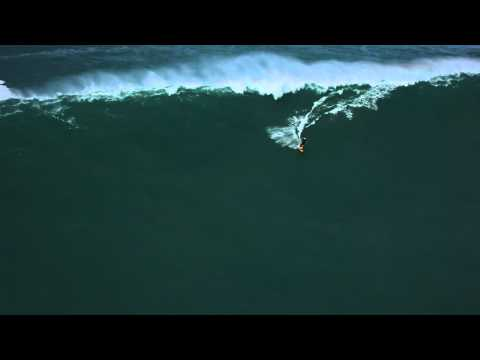 Ian Alldredge tows-in to Phantoms on Oahu.