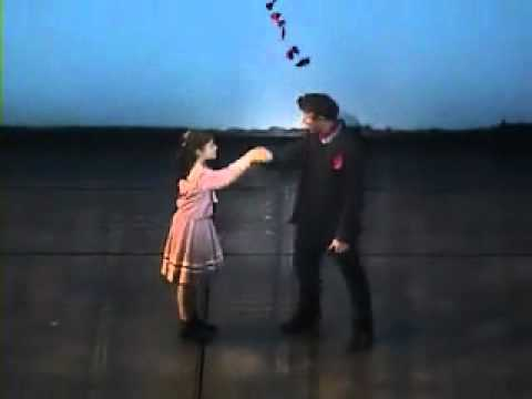MARY POPPINS UK Tour Cast-Lets Go Fly A Kite (Clip)