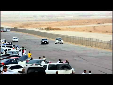 Range Rover HSE Sport Super Charger VS Jeep Grand Cherokee SRT in ksa