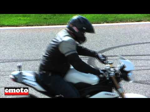 Triumph Speed Triple 1050 avec Kevin Carmichael
