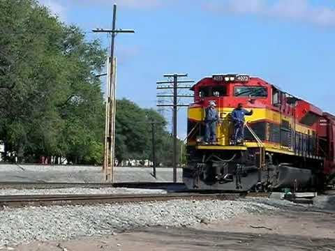 LMYPCM-10 Tren Local de Pemex KCSM SD70ACe #4073