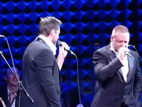 Russell Crowe & Hugh Jackman perform The Confrontation from Les Miserables December 8, 2012