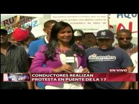 Choferes de la 17 protestan en estación del Metro; piden indemnización