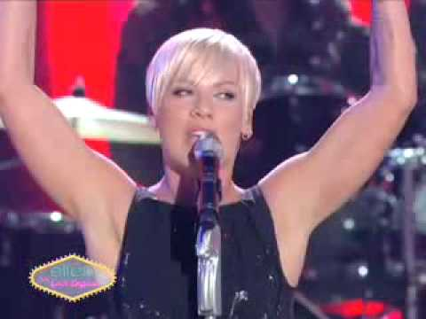 P!nk Funhouse on Ellen Las Vegas show