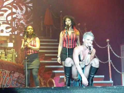 Pink - Whataya Want From Me (Live)