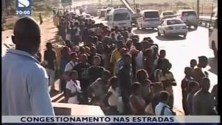 Congestionamento nas estradas de Maputo provoca falta de &#8220;chapas&#8221;