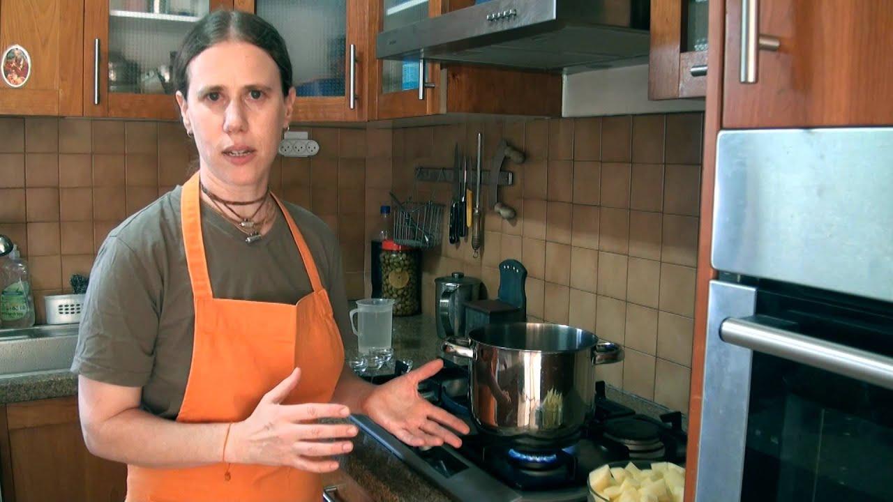 אלו מטאר - תבשיל תפוחי אדמה ואפונה: מבשלים עם ונו