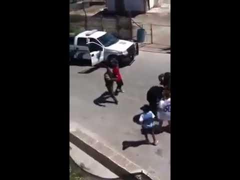 Policía Municipal de Tijuana ataca a joven por mirar como detenían a otros sujetos