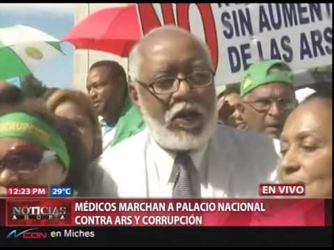 Médicos entregan documento en Palacio y amenazan…