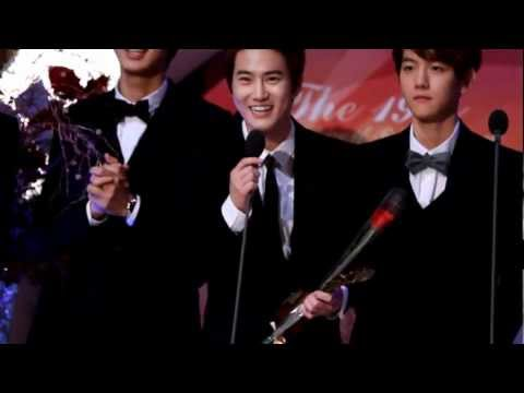 [Fancam] 121128 EXO-K Win at The19th Korean Entertainment Arts Awards - Suho Talk