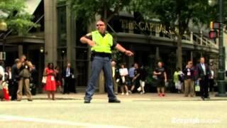 Policajac igra na zadatku