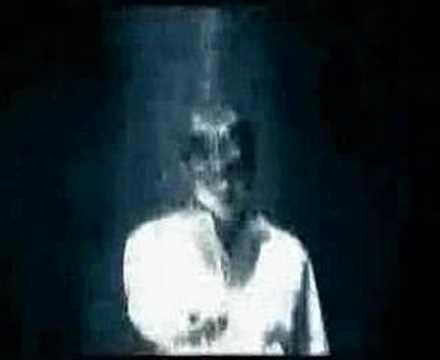 Tiga Titik Hitam (Feat. Fadly Padi)