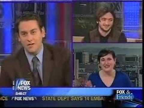 Comedian Lee Camp: Fox News a -festival of ignorance-