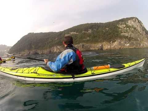 Yubarta y Kayaks (Cabo Ogoño, Euskadi)
