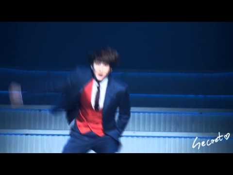 [HD fancam] 120508 Kyuhyun danced Bonamana during CMIYC!
