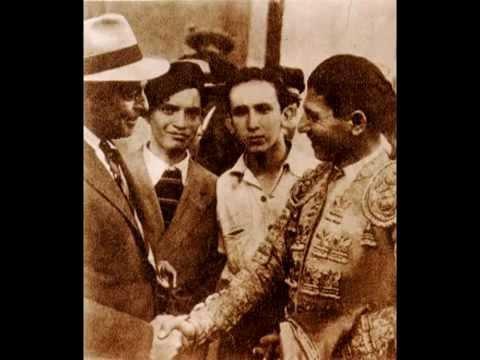 BIOGRAFÍA: HOMENAJE A ENRIQUE HERNÁNDEZ FLORES POR 57 AÑOS DE FIESTA BRAVA EN SOL Y SOMBRA