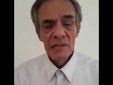 El cantante mexicano José José quien está padeciendo de cáncer de páncreas pidió a du público que no se deje llevar por las personas que empiezan a pedir dinero supuestamente para ayuda del tratamiento para su enfermedad.