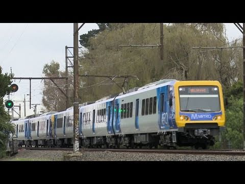 Metro Trains Melbourne X'trapolis passenger trains - Railroads and Trains in Australia